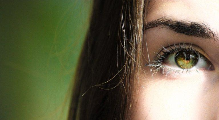 Frauenauge Augeninnendruck